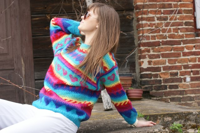 61783308f87ddf vintage kolorowy sweter lata 80s - Ubrania vintage - DecoBazaar