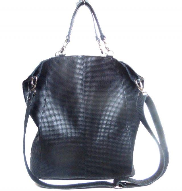 e0089e9eb6ea2 Skórzana czarna torba fakturowana w krateczke - Torebki - DecoBazaar