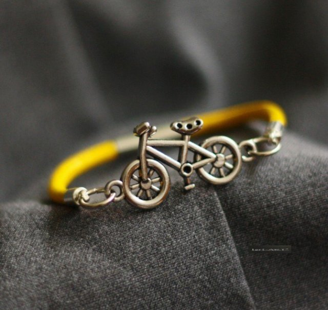 BICYCLE & YELLOW