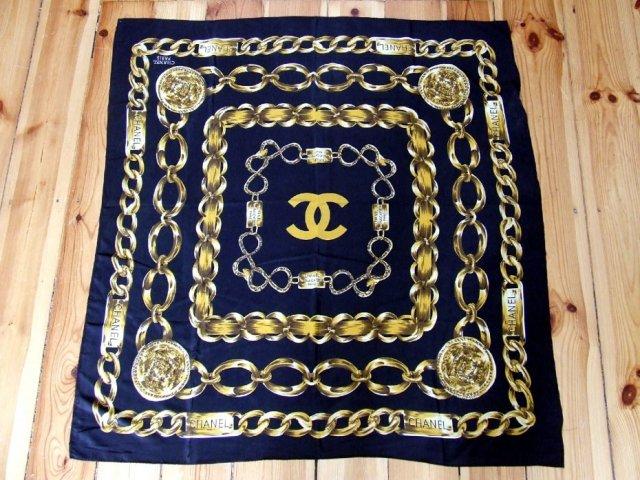 Chanel printed scarf 2
