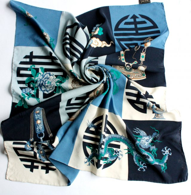 Exclusive silk scarf Art of Silk Tie Rack