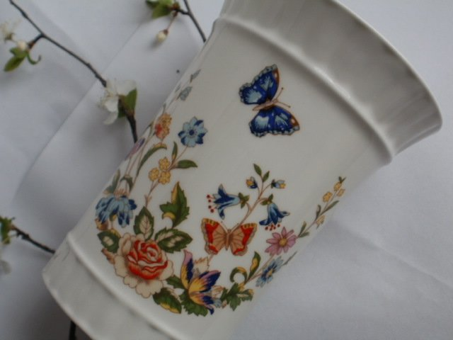 Cottage Garden Aynsley Fine English Bone China