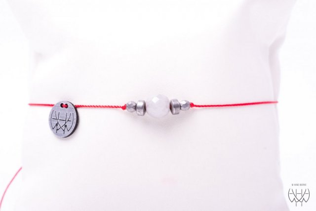 WHW Taste With Grey Agate On Red String II
