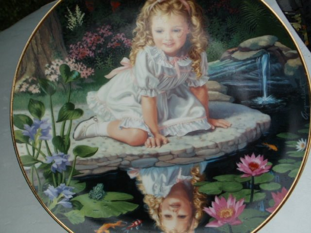 danbury Mint 1991  children of the week -  monday   's  child by elaine gignilliat kolekcjonerski talerz porcelanowy