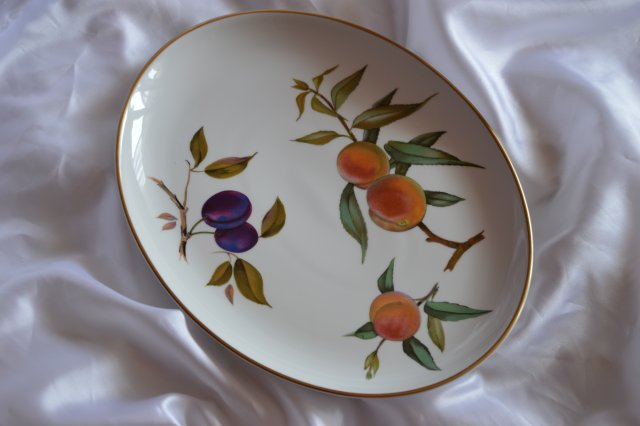 ROYAL WORCESTER - PÓŁMISEK