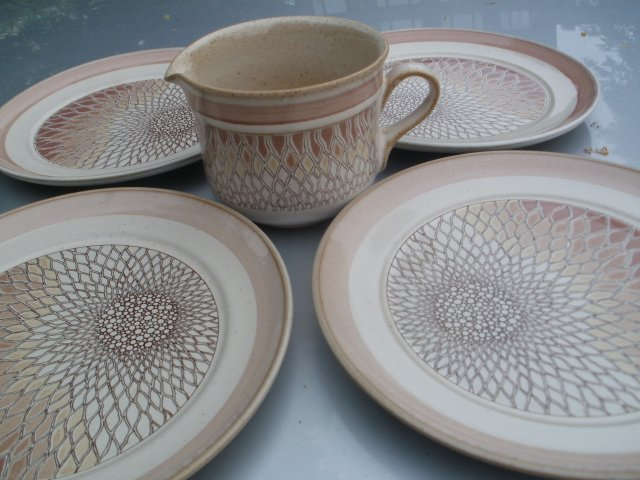 DENBY  CHANTILLY HANDCRAFTED  Fine stoneware