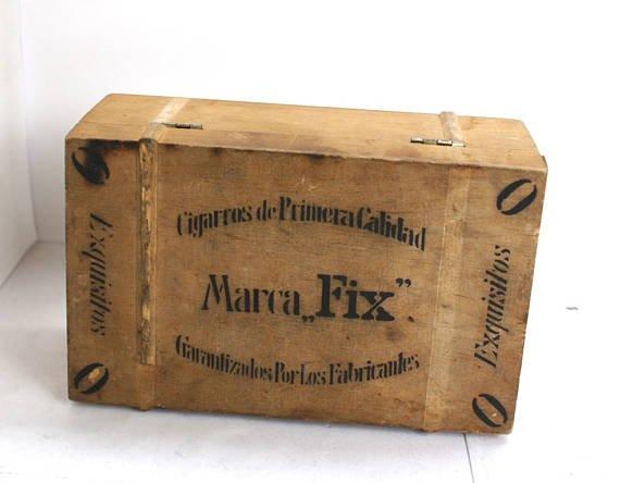 Groovy Ozdobna skrzynka na cygara - Dom vintage - DecoBazaar FH72