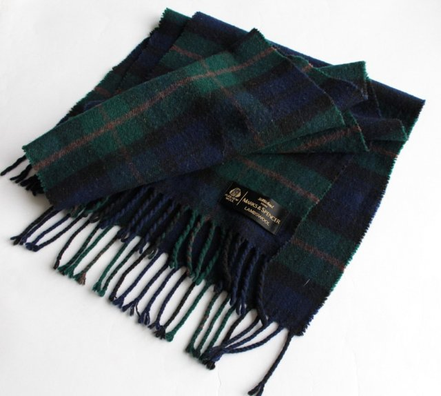 Exclusive lambswool scarf