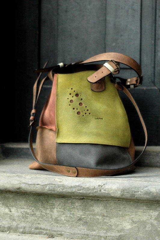 Torebka torba na ramię skórzana ręcznie robiona Ladybuq art studio Alicja cztery kolory Brąz torebka z długim paskiem oryginalna