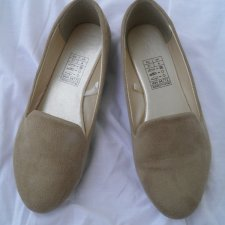 Bezowe Nude  lordsy loafers mokasyny 37