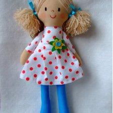 Szmaciana lala Ala sukienka w czerwone grochy