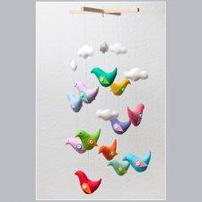 karuzela / mobil z ptaszkami i chmurkami