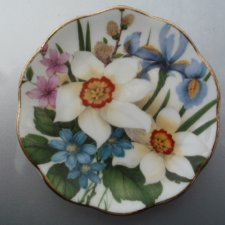 niewielki porcelanowy Fine Bone China Made in England