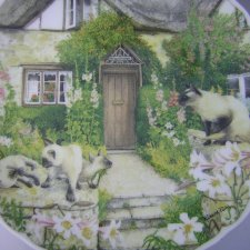 "ROYAL ALBERT 1993  ""Cats and Cottages"" KEEPING WATCH"