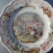 Royal doulton 1987  the  brambly HEDGE Gift collection  by Jill Barklem - the birthday kolekcjonerski rzadko spotykany