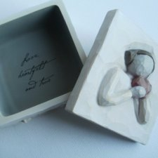the heart  willow tree  Susan Lordi   Demdaco 2003  kolekcjonerskie puzderko z  figurką  płaskorzeźbą