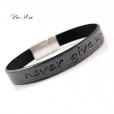 "Bransoletka ""Never give up"""