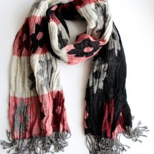 Exclusive wool scarf KAPRE
