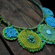 green etno / necklace