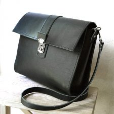 SATCHEL midi black
