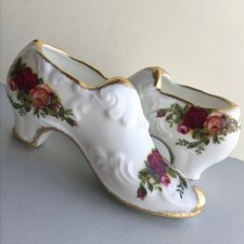 ROYAL ALBERT - OLD COUNTRY ROSES 1962  ❀ڿڰۣ❀  Uroczy bucik