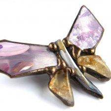 Niepowtarzalna broszka: motyl malowany z cytrynem