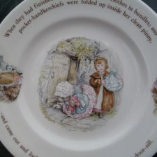 Wedgwood mrs. tiggy - winkle  wedgwood of etruria &Barlaston  beatrix potter designs