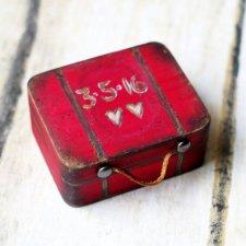 Personalizowany Kuferek na obrączki ślubne WALIZKA VINTAGE