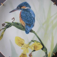 ROYAL WORCESTER THE - PAINTED SEASONS BY DICK TWINNEY  - KINGFISHER AND IRIS