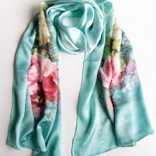 Exclusive silk scarf roses