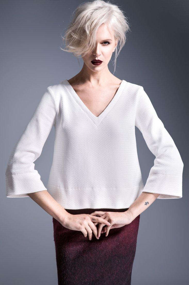 c00f0b83e8a1ca Elegancka biała bluzka z rozkloszowanymi rękawami - Ubrania - DecoBazaar