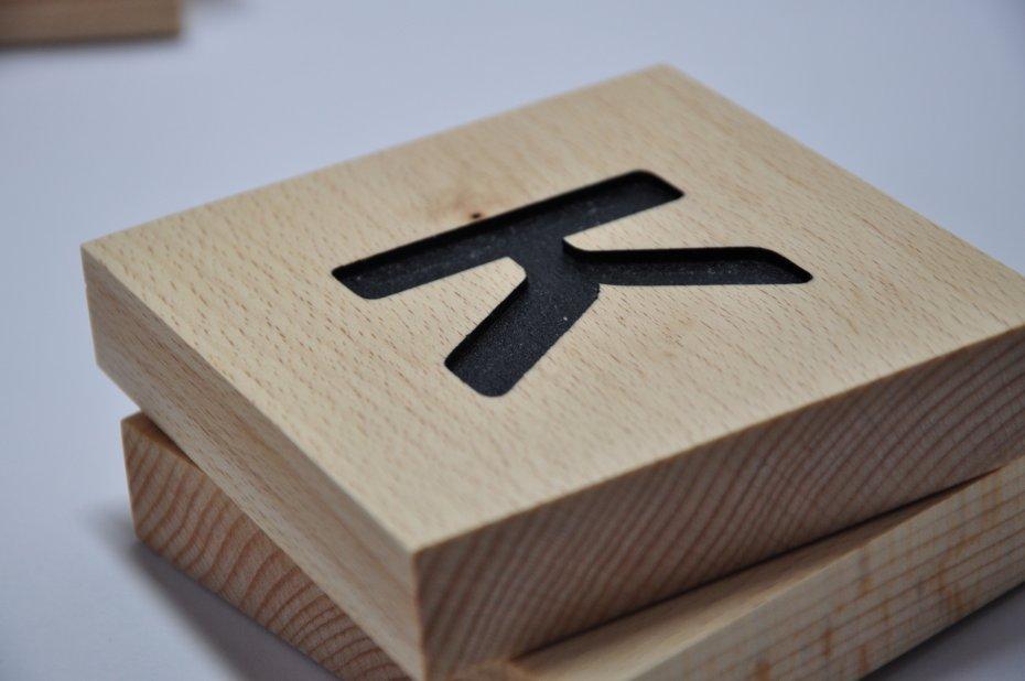 Drewniana Krzyzowka Kwadratowe Literki Scrabble Dom Decobazaar